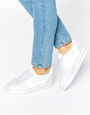 womens white nike trainers