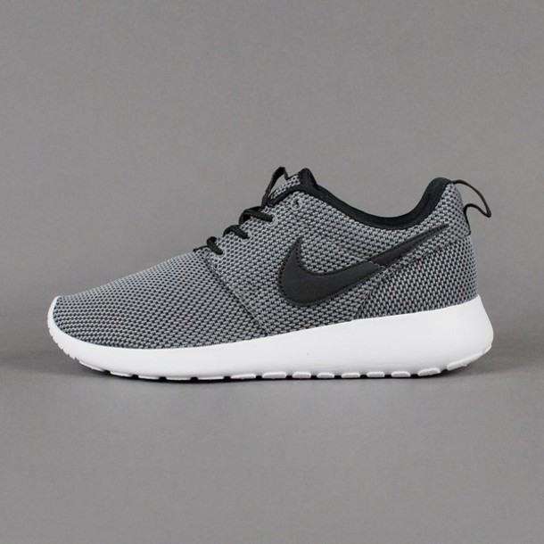 grey nike shoes