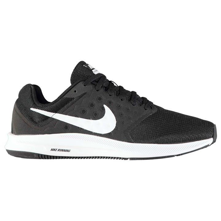black nike trainers mens
