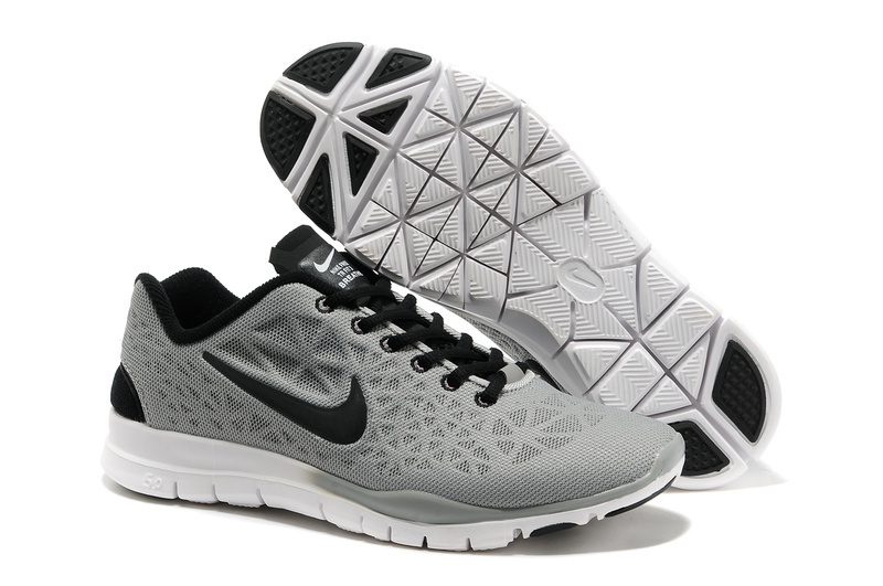 womens grey nike trainers